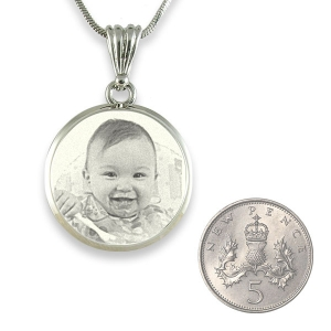 Scale for deluxe bevelled round 925 silver photo pendant
