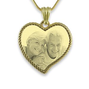 Gold Plate - Rope Edged Curved Heart Photo Pendant