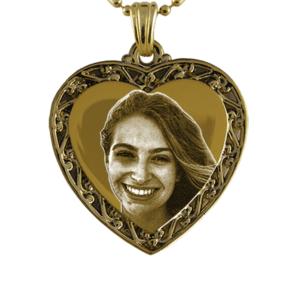 Gold Plate Medium Ribbon Edge Heart Photo Pendant