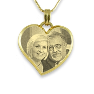 deluxe-bevelled-curved-medium-heart-photo-pendant_3__2.jpg
