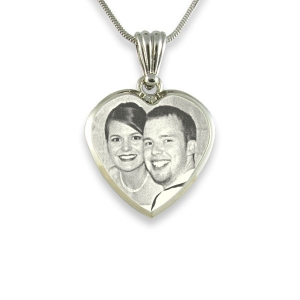 deluxe-bevelled-small-heart-photo-pendant_2.jpg