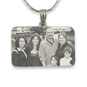 engraved-family-portrait-photo-pendant_3.jpg