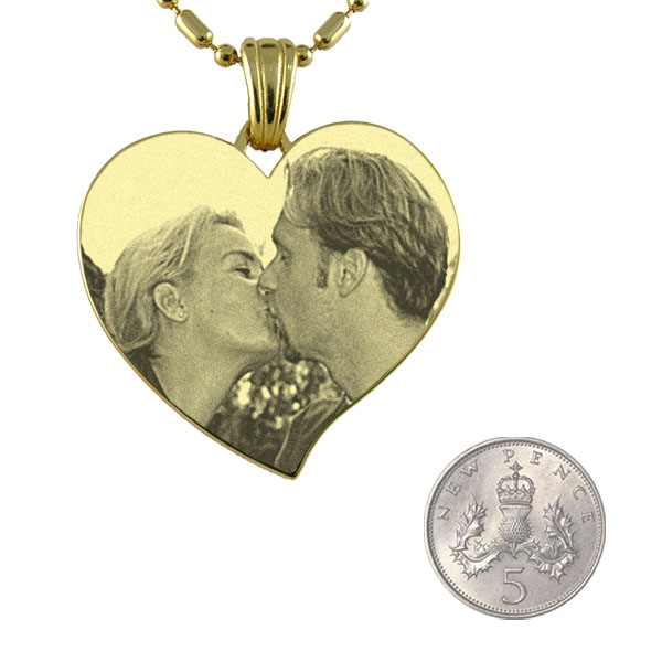 5p Scale of Gold Plate Large Curved Heart Photo Pendant