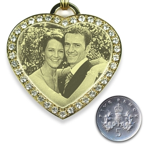 5p Scale Large diamante gold plate heart photo merged pendant