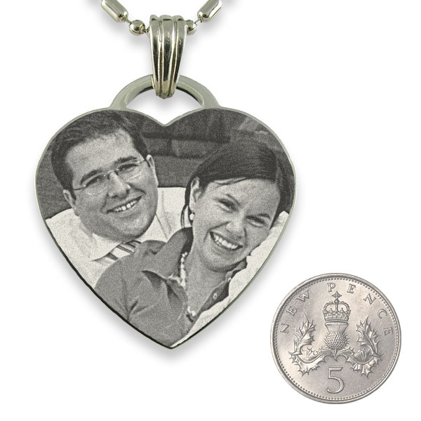 5p Scale of Rhodium Plate Drop Heart Photo Pendant