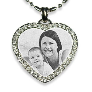 photo-engraved-pendant-diamante-heart-medium-rhodium-plated_3.jpg