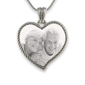 Rhodium Medium Rope Edged Curved Heart Photo Pendant