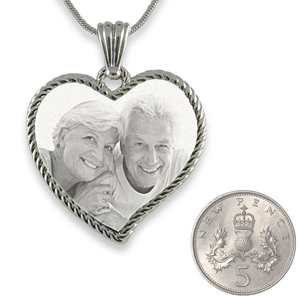 5p Scale of Rhodium Medium Rope Edged Curved Heart Photo Pendant