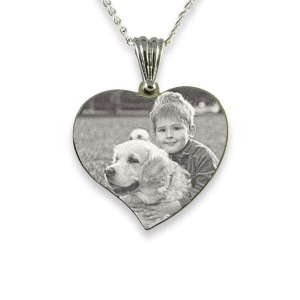 silver-medium-curved-heart-photo-pendant_3.jpg