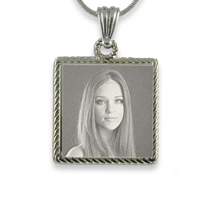 Engraved Photo of Stainless Steel Rope Edged Square Photo Pendant