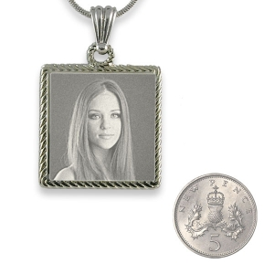 5p Scale Stainless Steel Rope Edged Square Photo Pendant