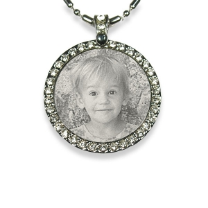 Face of Stainless steel Round Diamante Photo Pendant